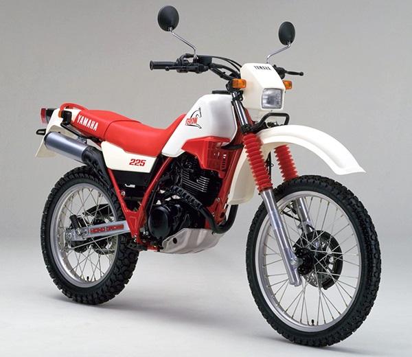 XT225 1KH B