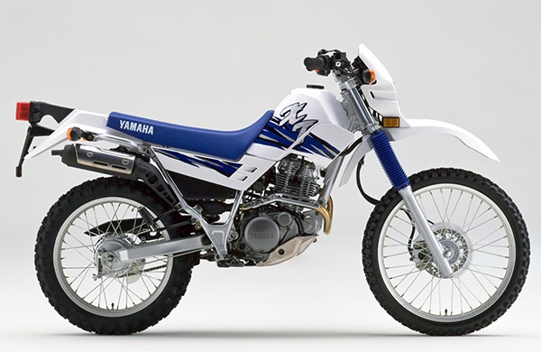 XT225 4BEK A